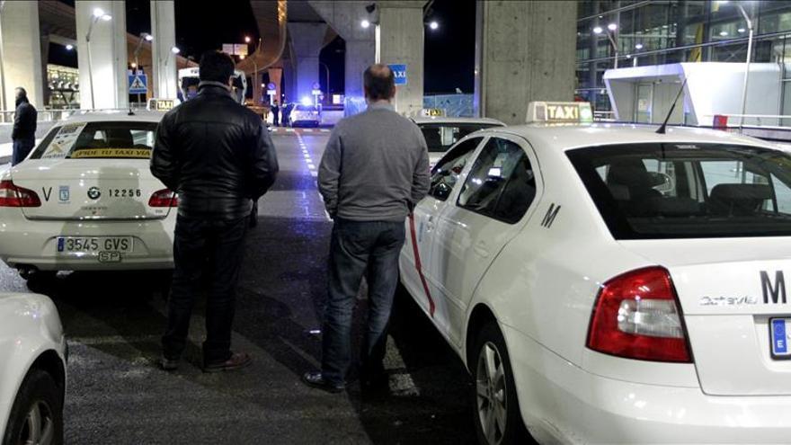 Taxistas exigen retirar aplicación para contratar trayectos a particulares