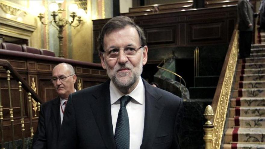 Rajoy resalta la evolución del paro y dice que en 2013 será el mismo que 2012