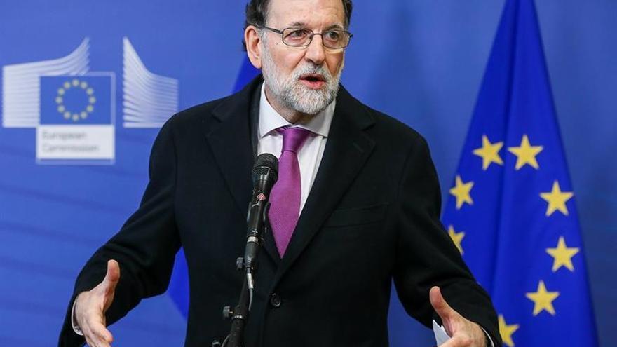 """Rajoy considera """"demencial"""" el plan de un Govern paralelo en Bruselas"""