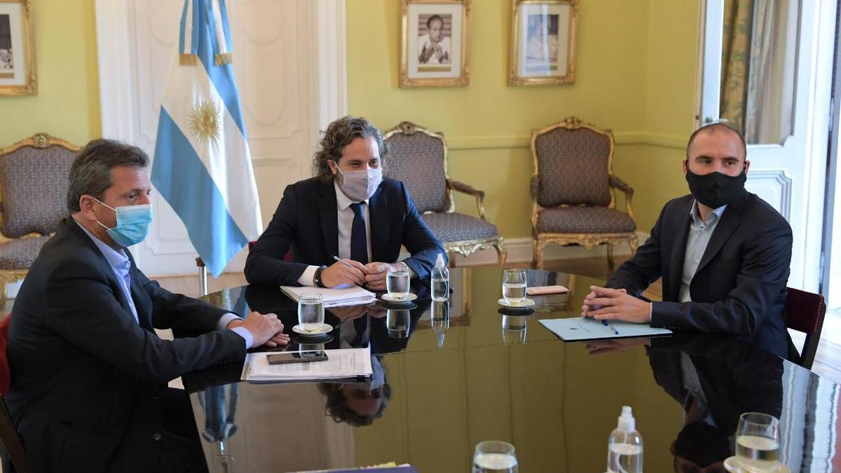 Massa, Cafiero y Guzmán reunidos hoy en la Casa Rosada./HCD