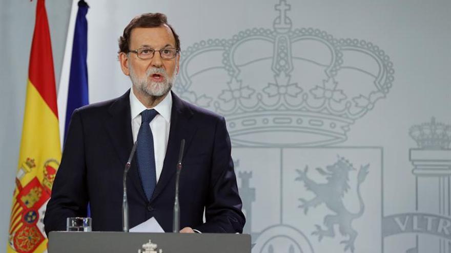 """Rajoy advierte a Puigdemont que será """"el único responsable"""" de aplicar el 155"""