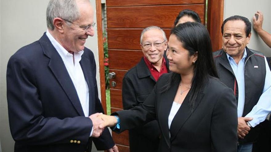 Keiko Fujimori y Pedro Pablo Kuczynski se enfrentan en el primer debate