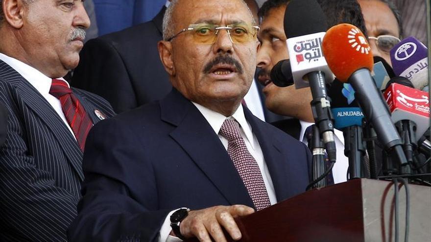 """Los rebeldes yemeníes amenazan a Saleh tras su """"golpe"""""""