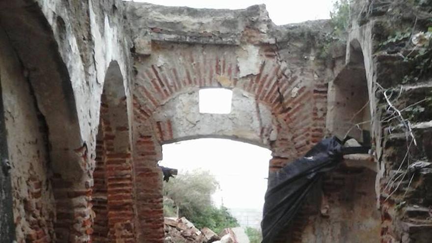 Casa, medieval, Badajoz, basura