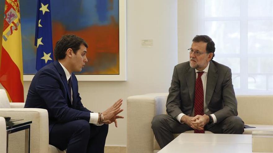 Rajoy y Rivera hablaron ayer sobre la investidura de Pedro Sánchez