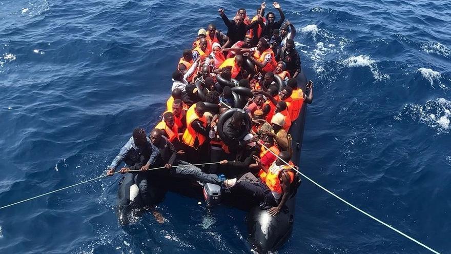 (Resumen) Unas 2.200 personas rescatadas de casi 50 pateras llegan a las costas andaluzas en julio