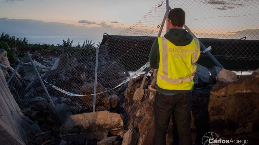 En la imagen, la presa que sufrió una rotura este domingo. Foto: CARLOS ACIEGO.