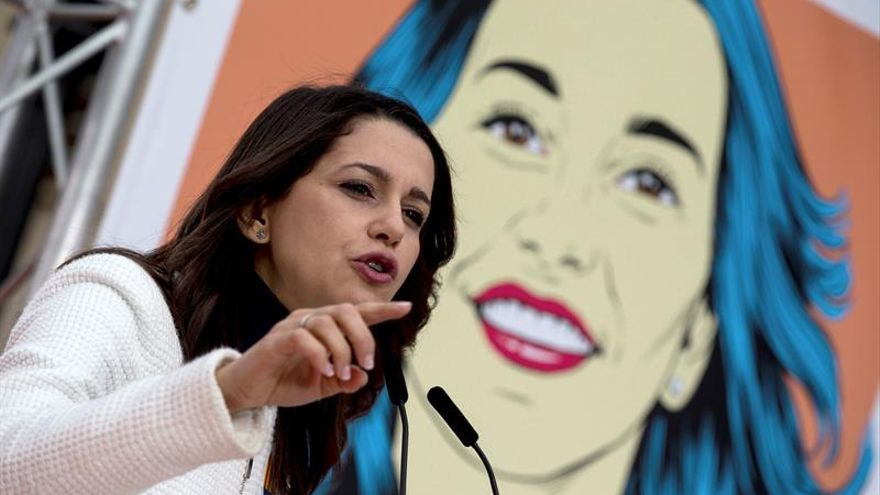 "Arrimadas llama al ""voto naranja"" para ""enterrar etapa negra de Cataluña"""