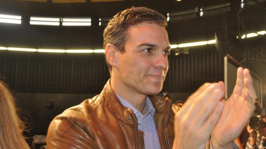 """Pedro Sánchez defiende un PSOE """"de izquierdas"""" frente a una Gestora que lo deja """"en tierra de nadie"""""""