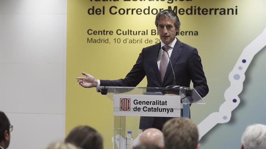 Fomento dice que recogerá el 100 % de la mediación en la reforma de la estiba