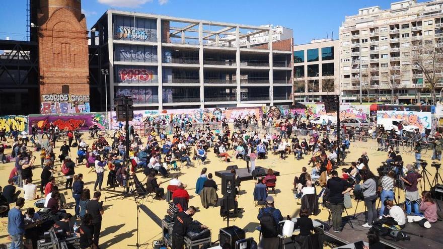 """Acto celebrado en el parque de las Tres Ximeneies de Barcelona """"Por la mayoría"""""""