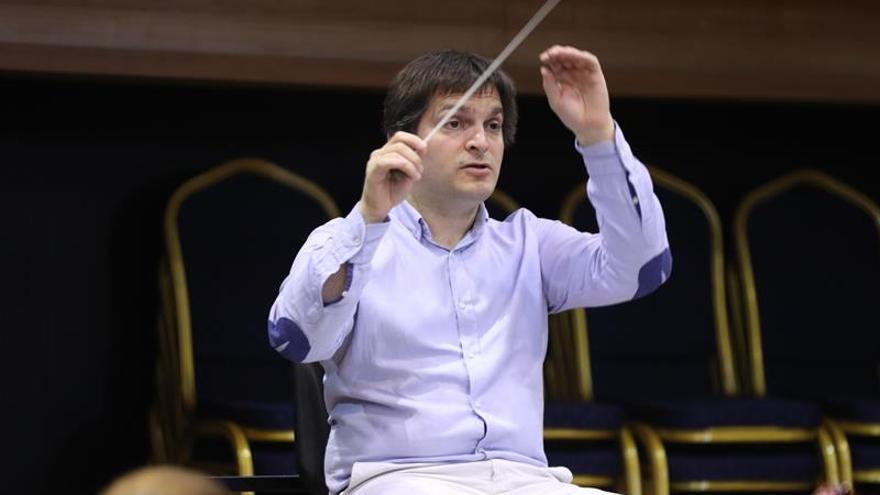 Ruben Rada se une a la Sinfónica de Uruguay para hacer un recorrido por su carrera