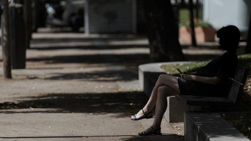 Un total de 41 provincias estarán este lunes en alerta por calor, doce de ellas alcanzarán máximas de 39 y 40º