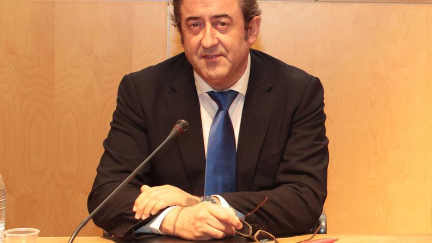 El fiscal jefe de la Audiencia Nacional, Javier Zaragoza, durante su conferencia en Salamanca. FG-Usal