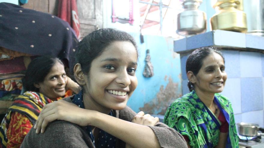El objetivo de la iniciativa es conseguir que 25 mujeres indias del mundo rural tengan becas
