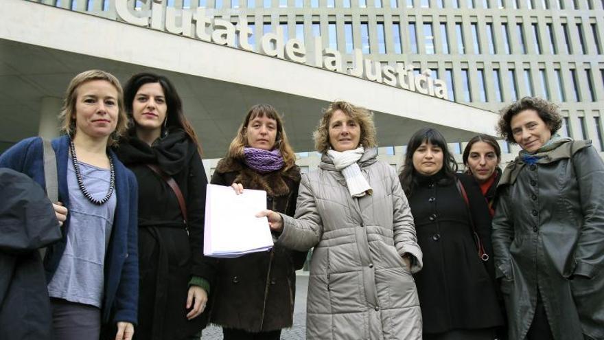 Grupos de feministas denuncian dos cuentas de Twitter por apología de la violencia machista