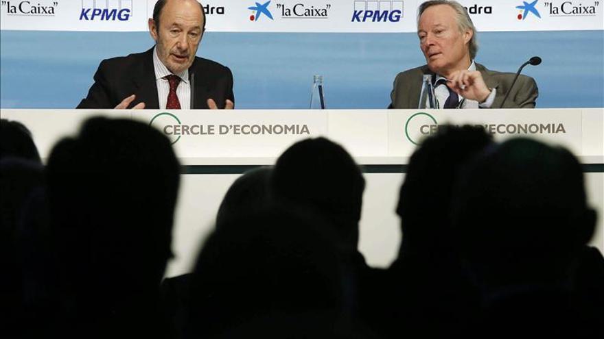 Rubalcaba urge a Rajoy a sellar un gran pacto para generar confianza