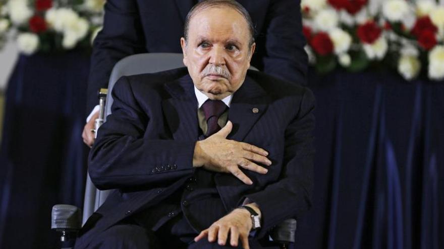 Senado y parlamento se reúnen hoy para certificar la renuncia de Bouteflika