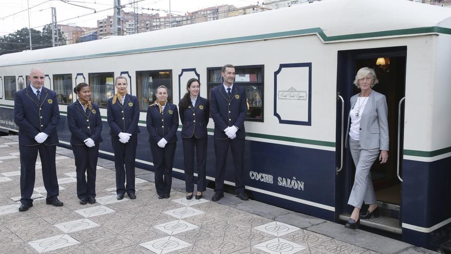 El tren Costa Verde Express llega a Cantabria en su viaje promocional de la España Verde