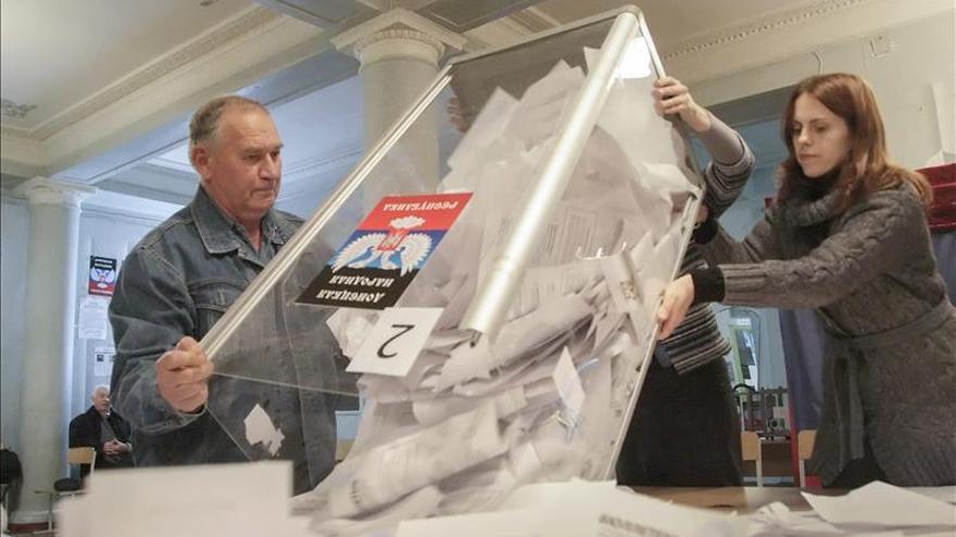 """EE.UU. advierte a Rusia de más """"costes"""" tras las """"ilegítimas"""" elecciones en Ucrania"""