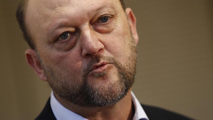 El PSOE aconseja a Rajoy cesarse a si mismo tras abrirse juicio oral contra el PP