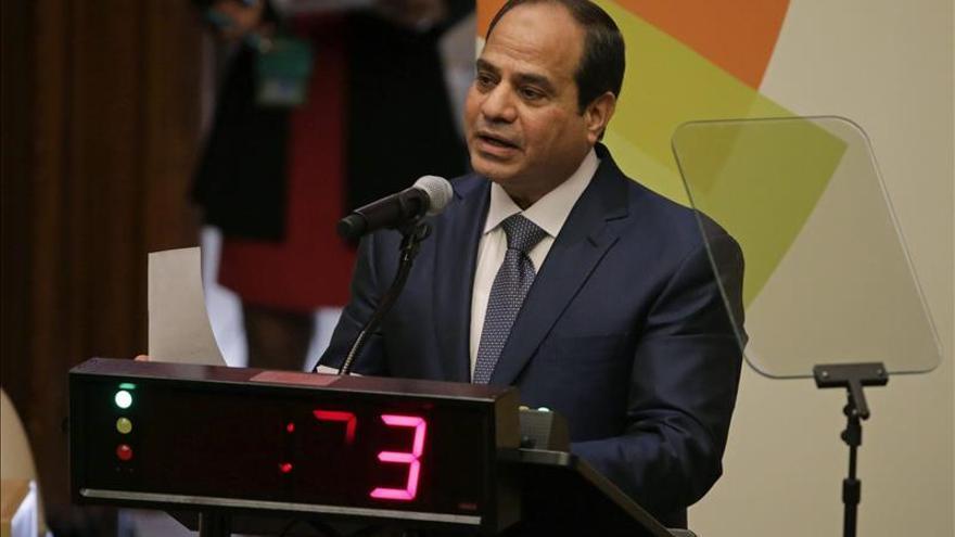 Denuncian a un conocido actor egipcio por criticar a Al Sisi