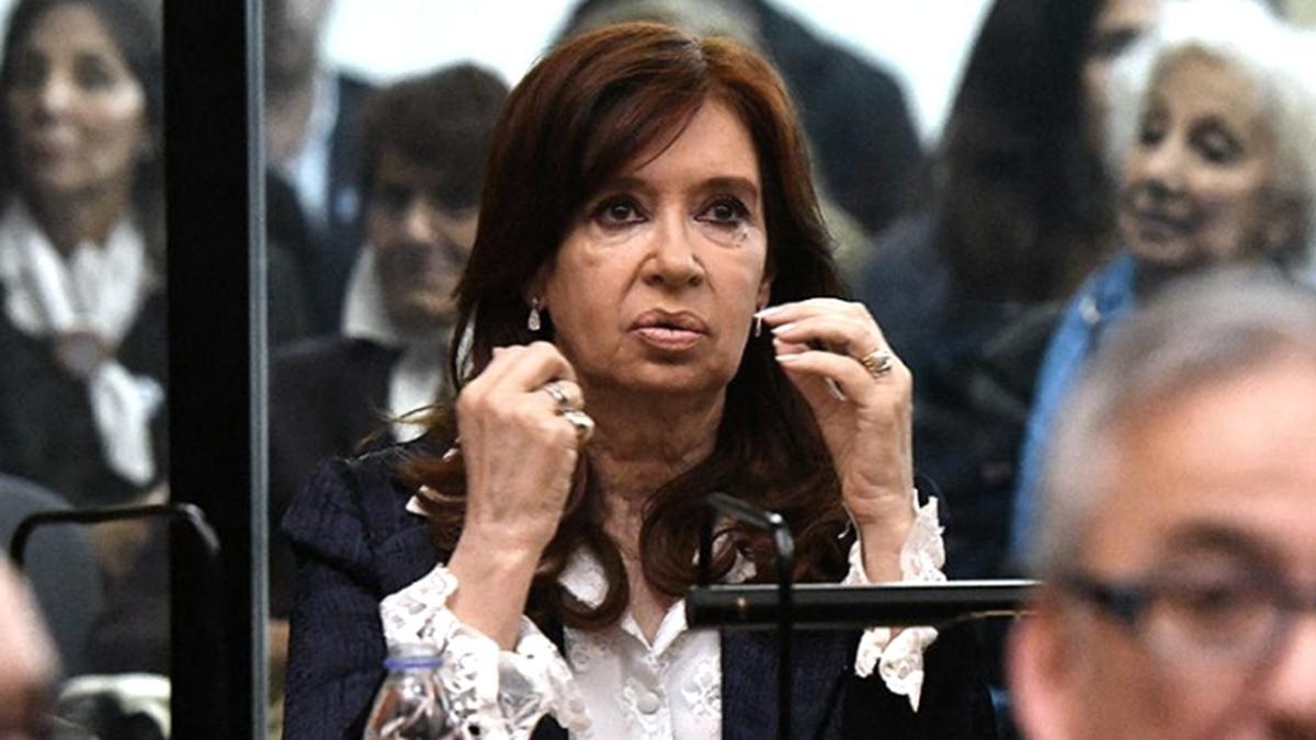 La resolución 145/2021 que oficializa la decisión de Cristina Fernández de no recibir haberes por su cargo fue publicada este miércoles en el Boletín Oficial.