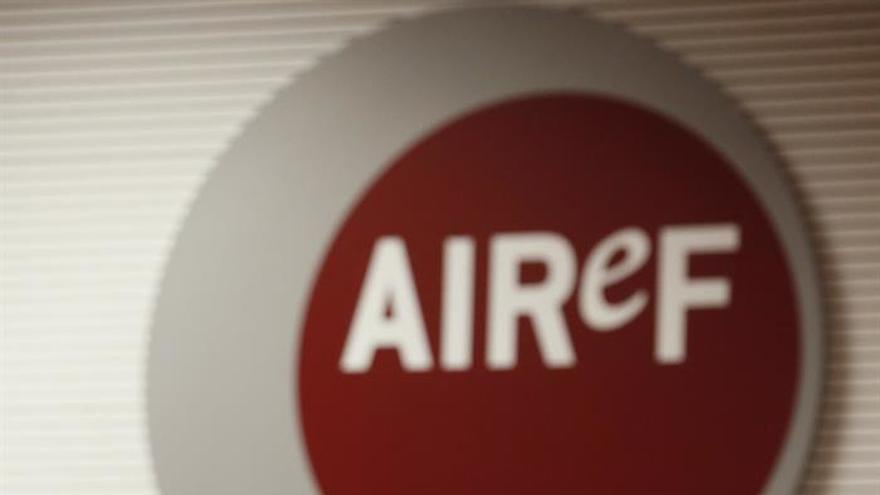 AIReF prevé un déficit del 4,7% en 2016 si no aumenta pago fraccionado del Impuesto Sociedades