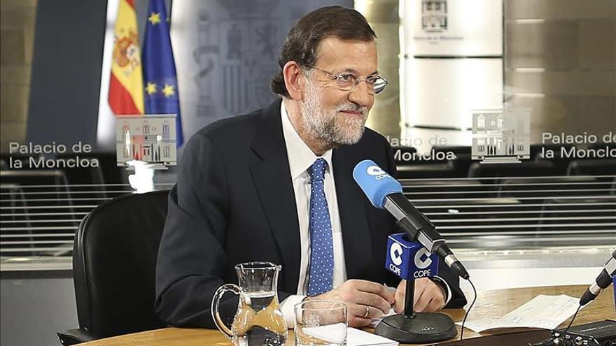 Rajoy ofrece un pacto al PSOE sobre la reforma del TC y le insta a explicar su posición
