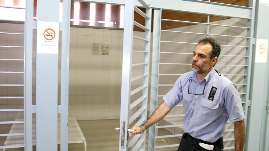 Duchamp muestra una de las celdas del área de registros