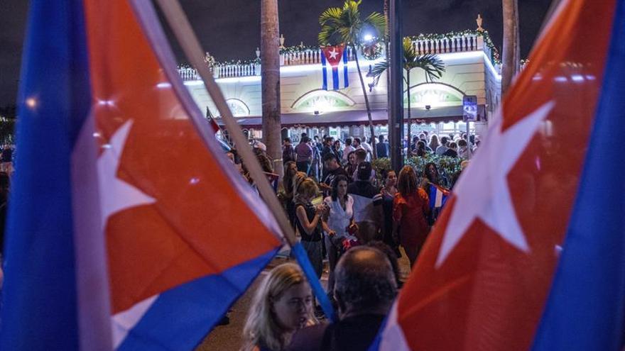 Los cubanos que festejan en Miami quieren contagiar la algarabía a la isla