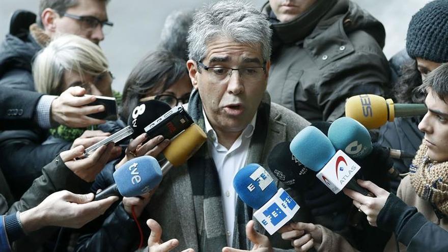 Homs denuncia ante la Fiscalía a Rajoy por posible desobediencia de fallos del TC