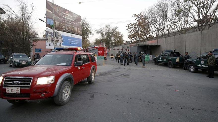 Hombres armados atacan una cadena de televisión en Kabul y causan víctimas