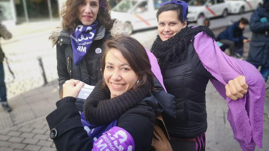 Algunas de las participantes en las movilizaciones matinales del 8M en Madrid. Alejandro Navarro.