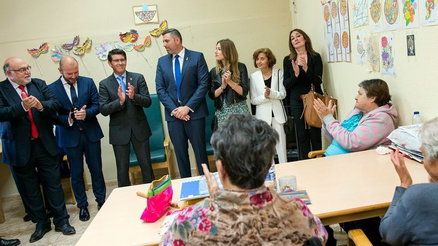 Imatrge de la visita de Rodríguez a la residència de Cullera