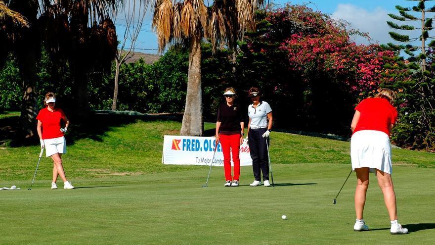 Golfistas en Tecina