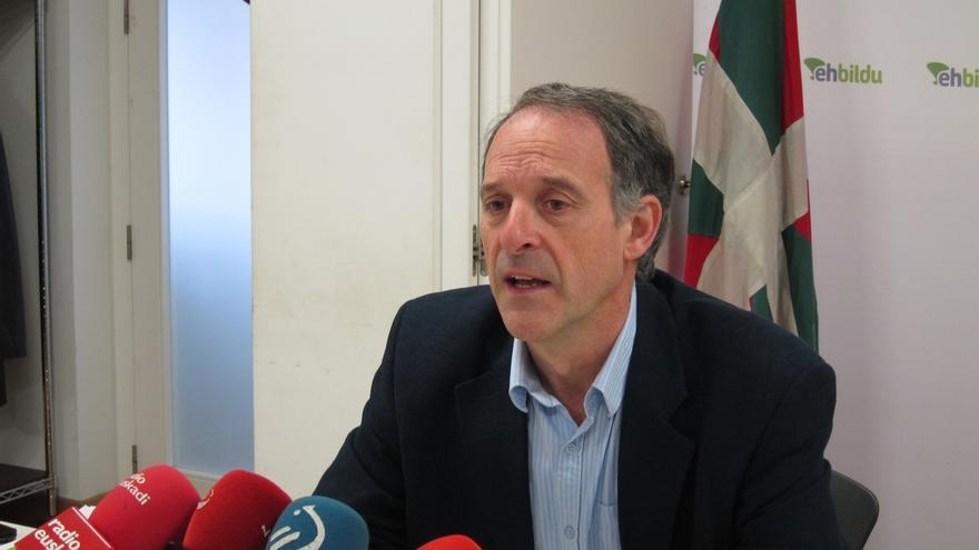 """Araiz comparte con Tapia que Pamplona es una capital vasca, """"pero el TAV no es construcción nacional, sino lo contrario"""""""