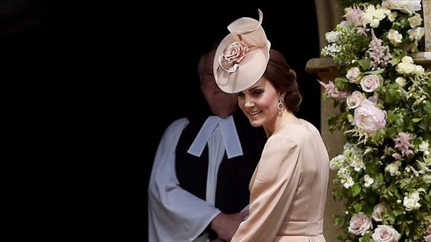 Una radiante Pippa Middleton se casó con el financiero James Matthews