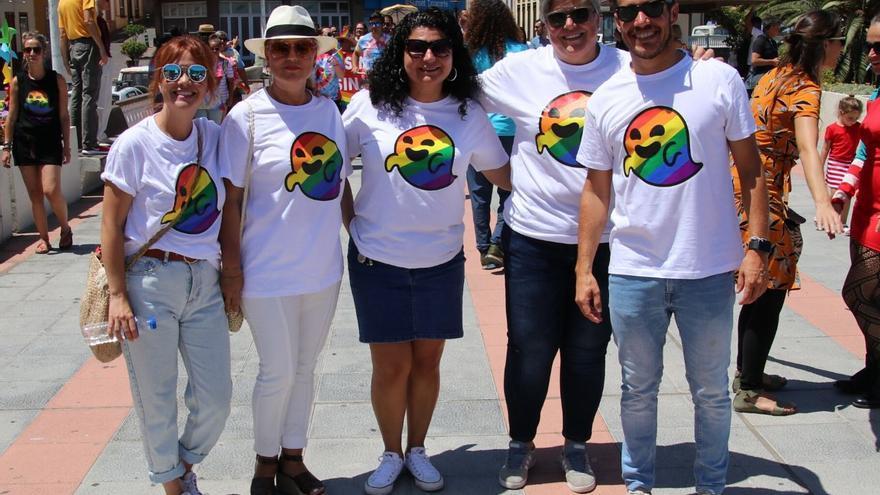 Los populares Mariano Hernández y Noelia García estuvieron presentes en la marcha.