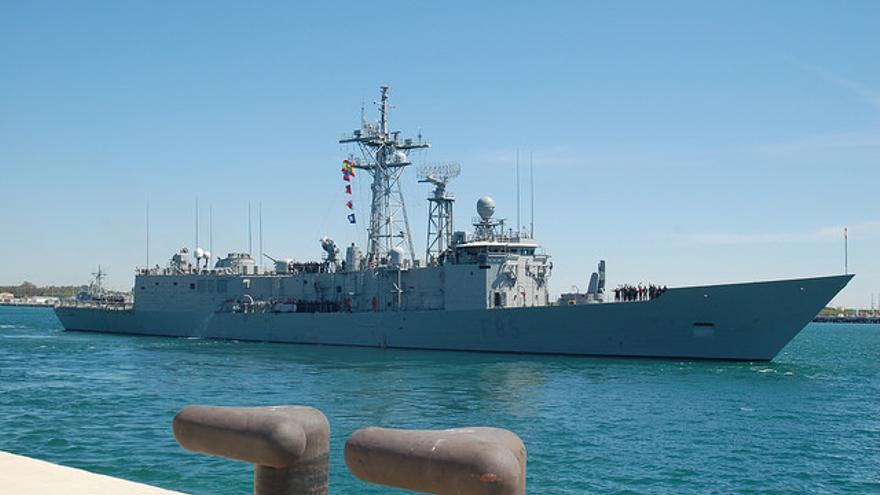 La fragata Navarra, en su base de Rota (Cádiz)