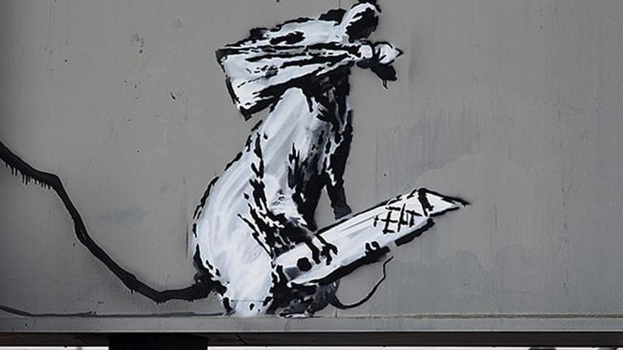 Graffiti de Banksy obre la revolución de Mayo del 68 pintado en el Centro Pompidou de París