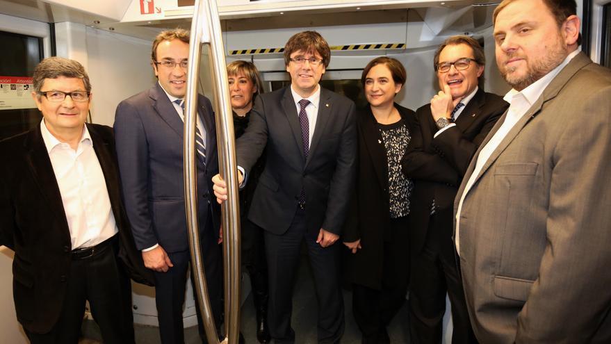 Políticos de varias insticuiones han participado en el viaje inaugural del tramo de la L9