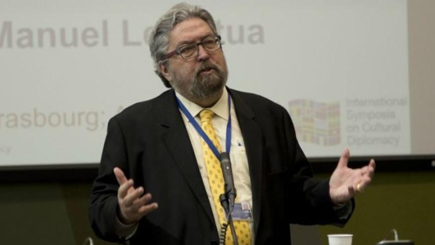 Manu Lezertua durante una conferencia en Estrasburgo. / The Institute for Cultural Diplomacy.
