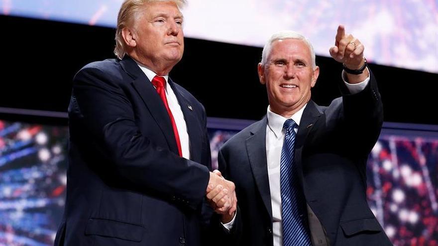Trump y Pence han hablado con 29 líderes mundiales desde su elección