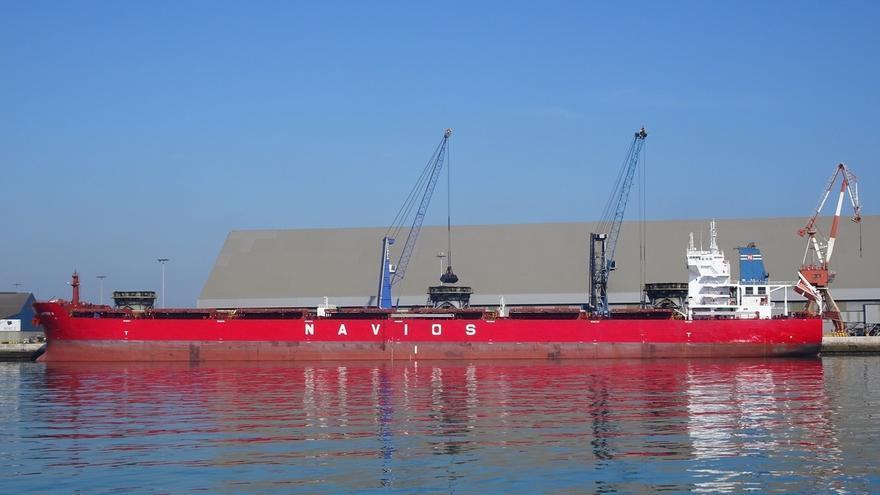 El Puerto de Santander recibe uno de los mayores cargamentos de su historia