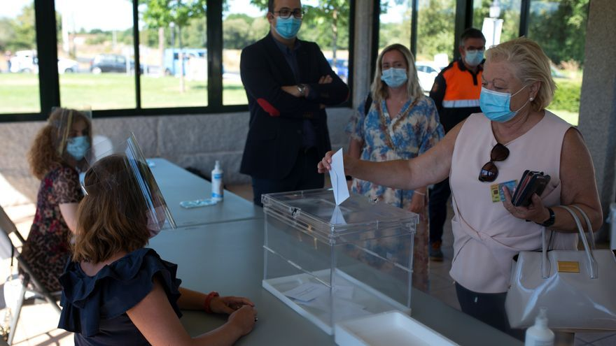 La Xunta afirma que la seguridad está garantizada en los 2.405 colegios electorales gallegos