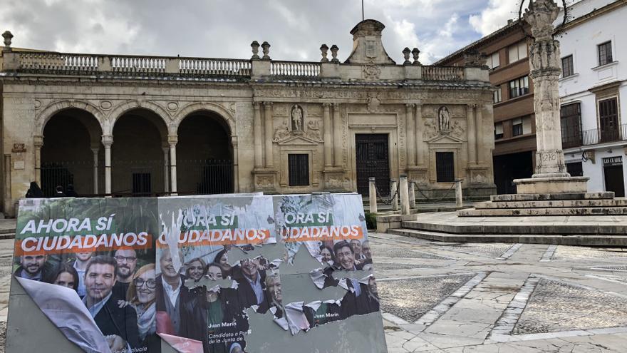 Carteles electorales de Ciudadanos en la plaza de la Asunción de Jerez.