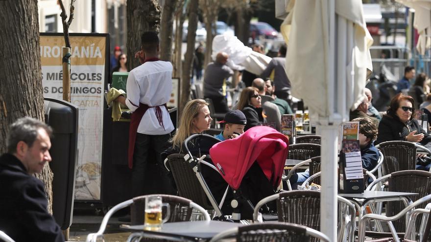 El sector turístico en Cantabria vuelve a marcar récord de contratación y supera los 22.500 trabajadores