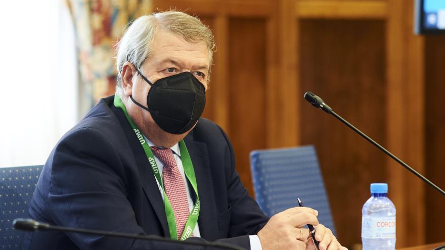El presidente de la Sala de lo Contencioso-Administrativo del Tribunal Supremo , César Tolosa, en la UIMP