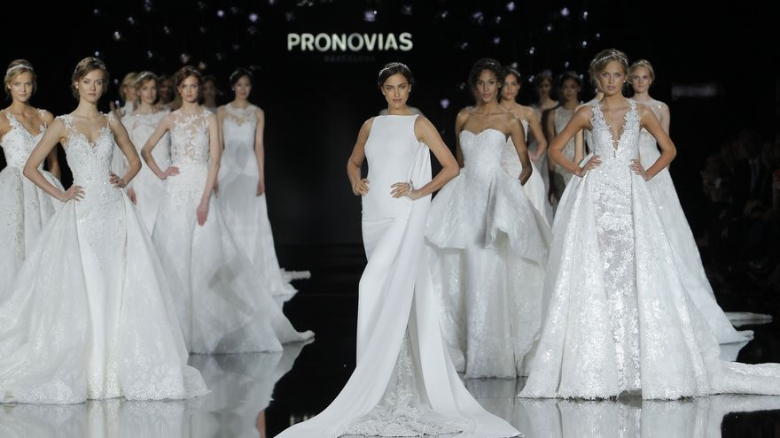 Un desfile de Pronovias.